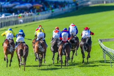 Horse racing Behind Rear